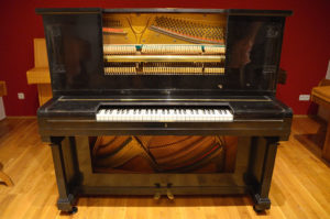 piano-offen-von-oben